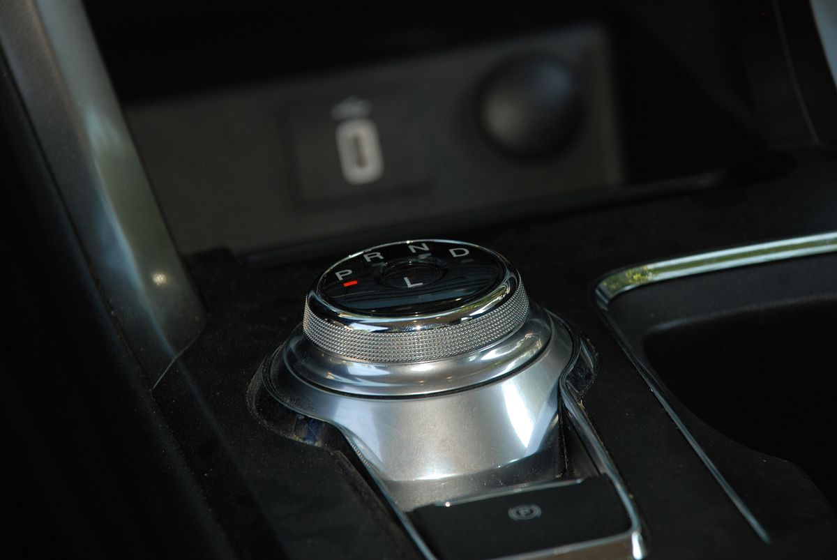 Ford Fusion SE PHEV 2018 фото №11