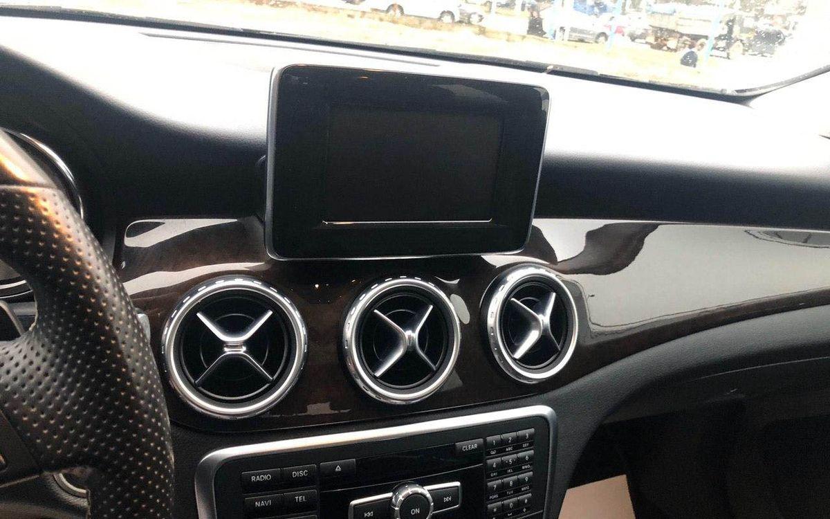 Mercedes-Benz GLA 250 2015 фото №12