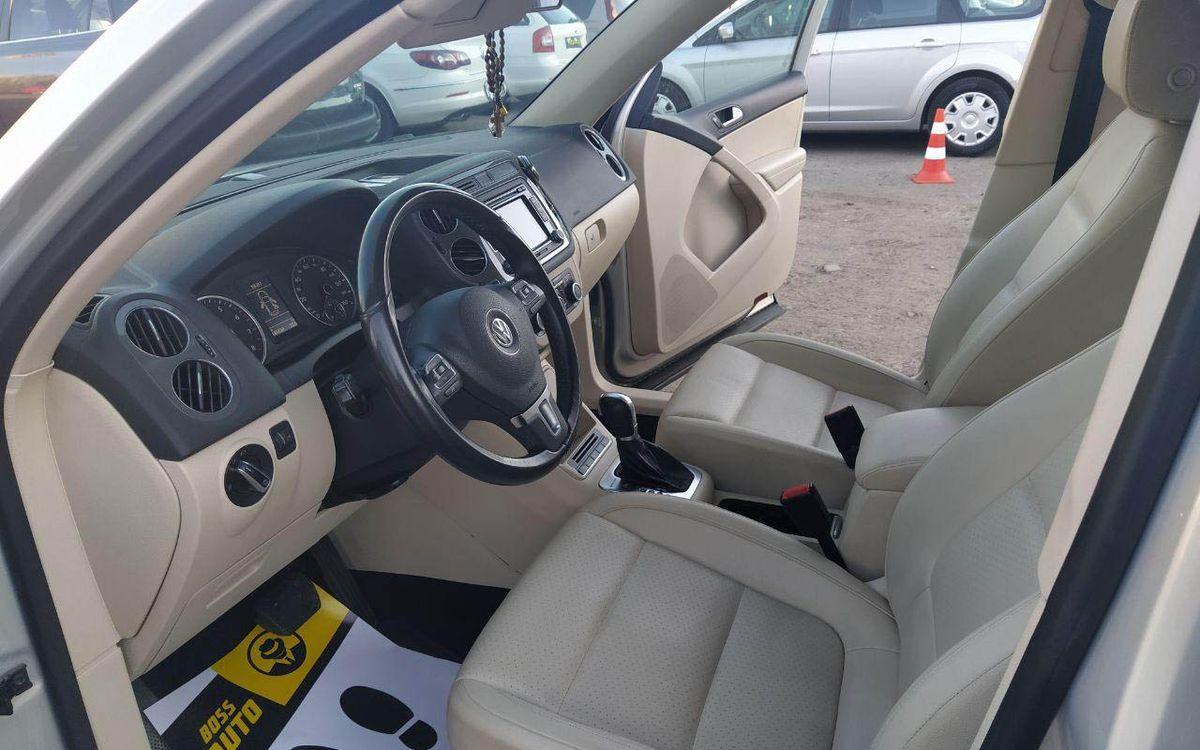 Volkswagen Tiguan SE 2012 фото №16