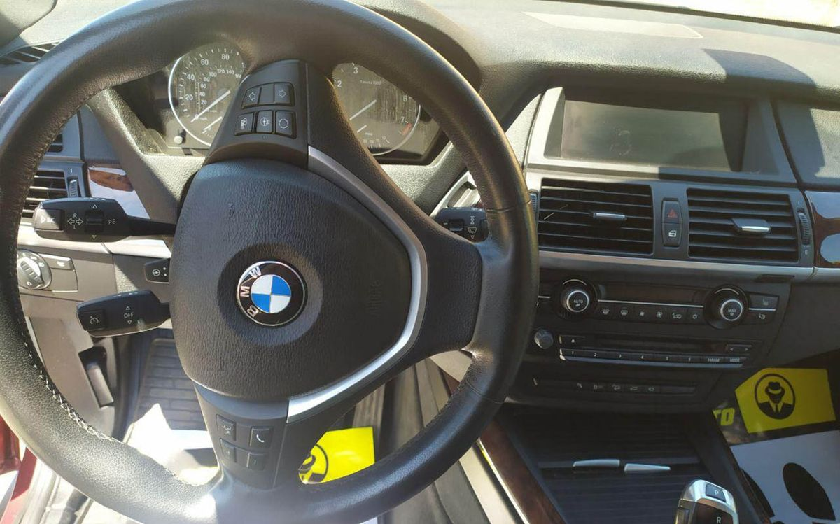 BMW X5 X-Drive 50i 2011 фото №17