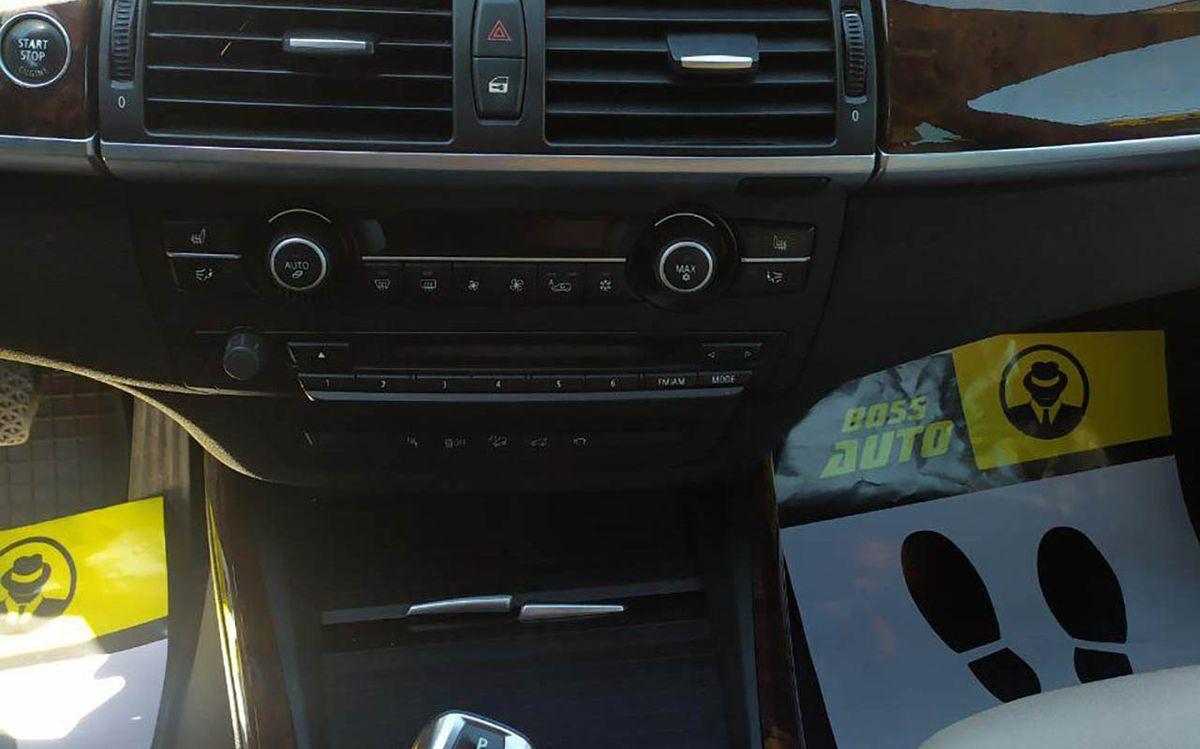 BMW X5 X-Drive 50i 2011 фото №18