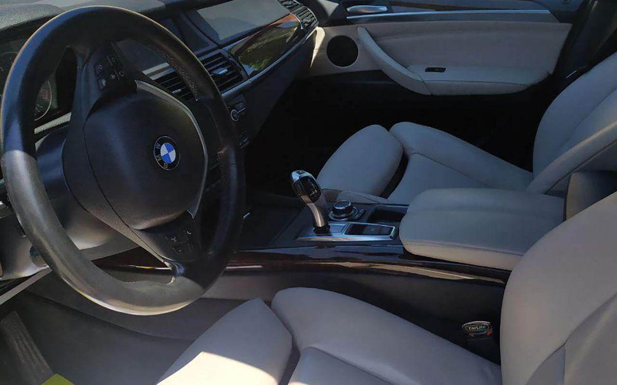 BMW X5 X-Drive 50i 2011 фото №19