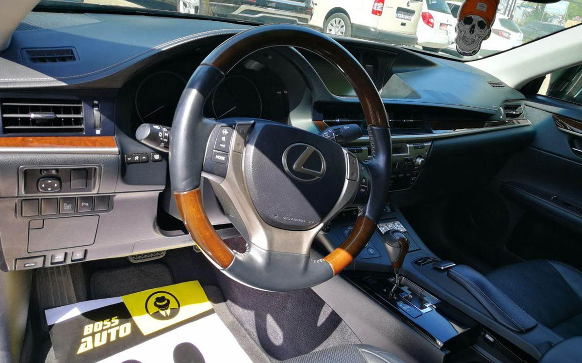 Lexus ES 350 2013 фото №16