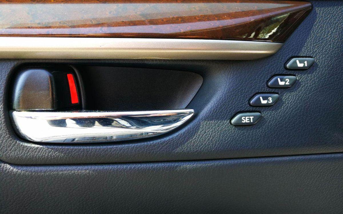 Lexus ES 350 2013 фото №17