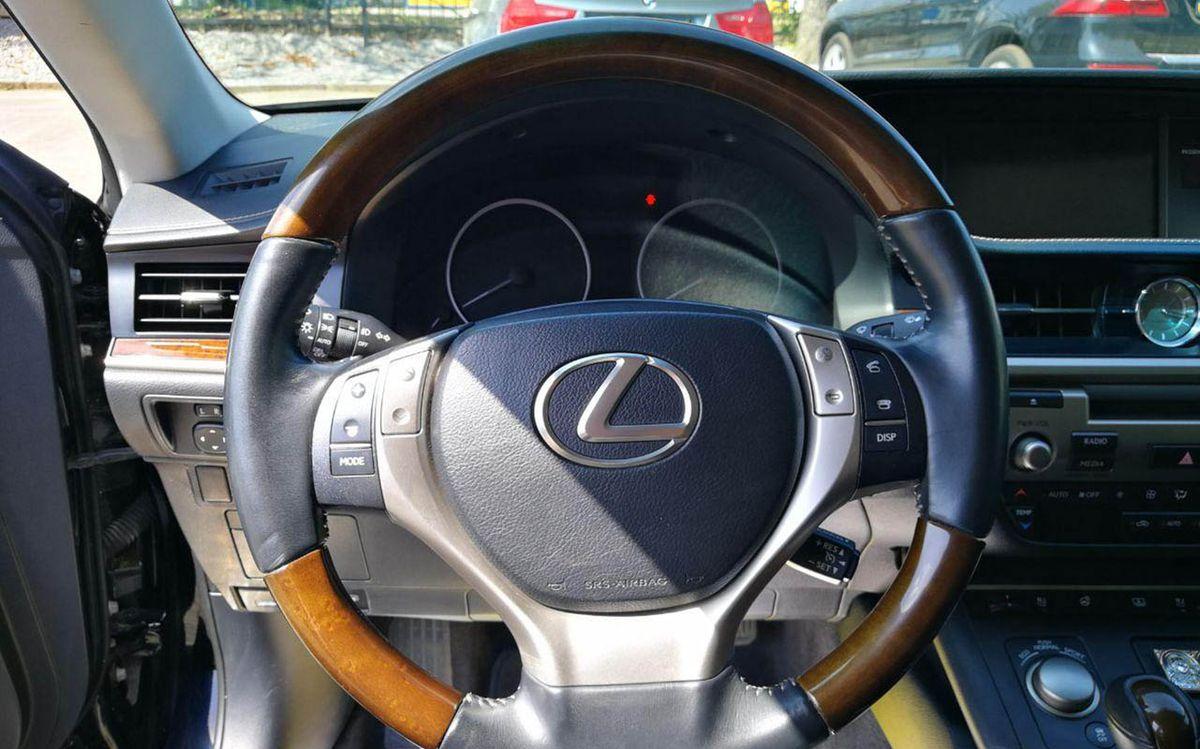 Lexus ES 350 2013 фото №19