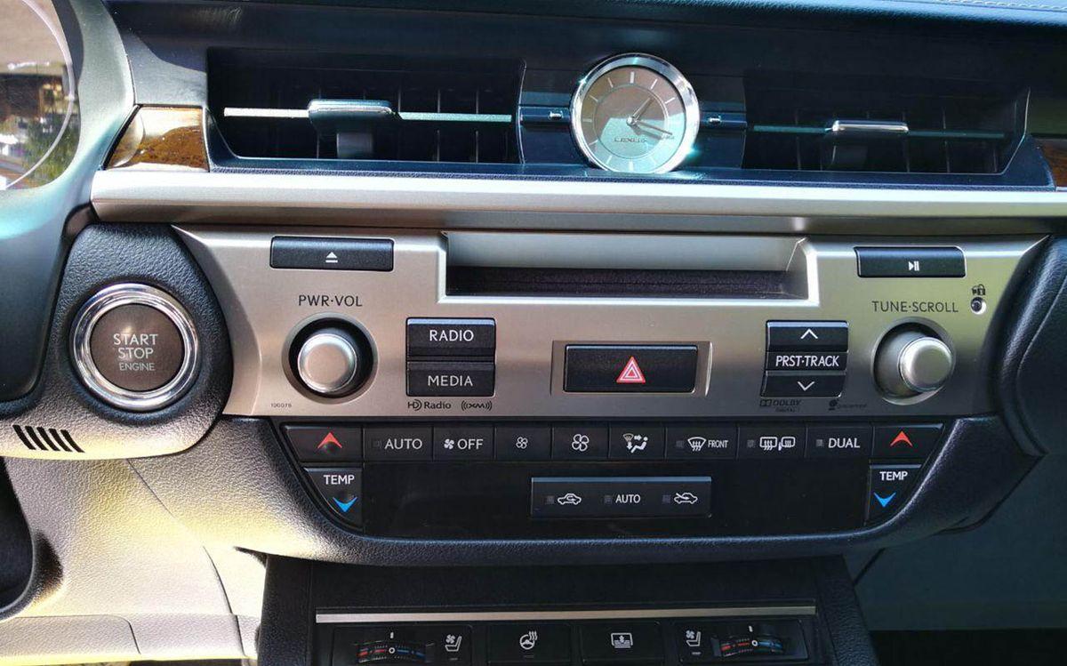Lexus ES 350 2013 фото №20