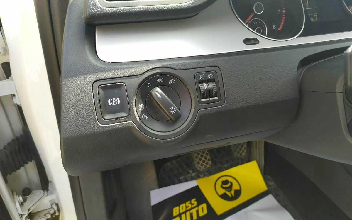 Volkswagen Passat R-Line 2010 фото №16