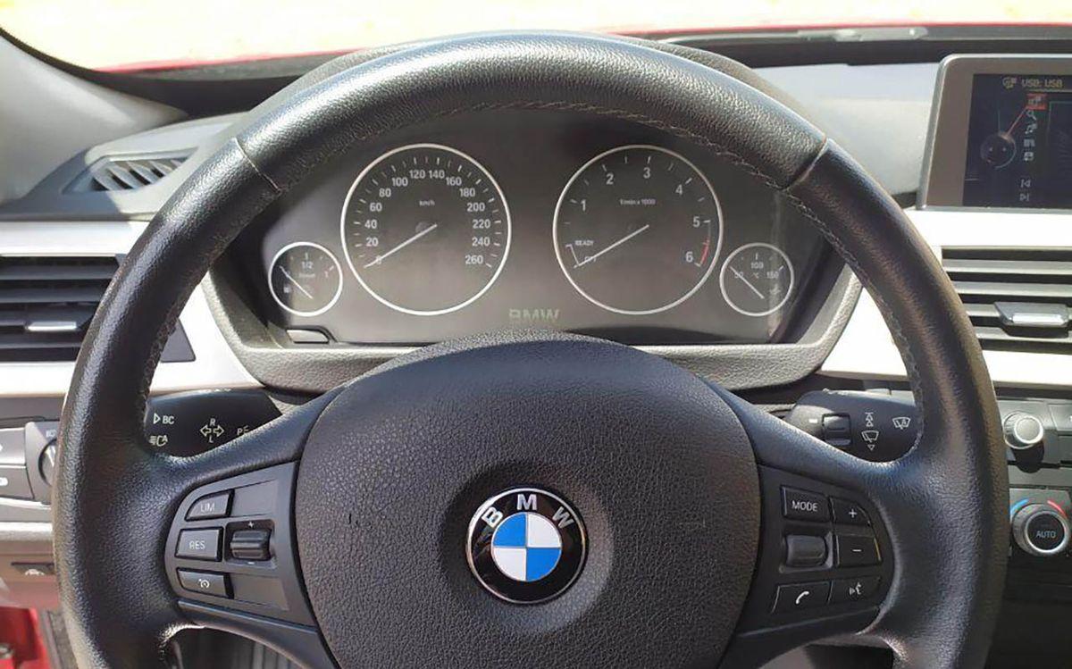 BMW 320 GT 2014 фото №20