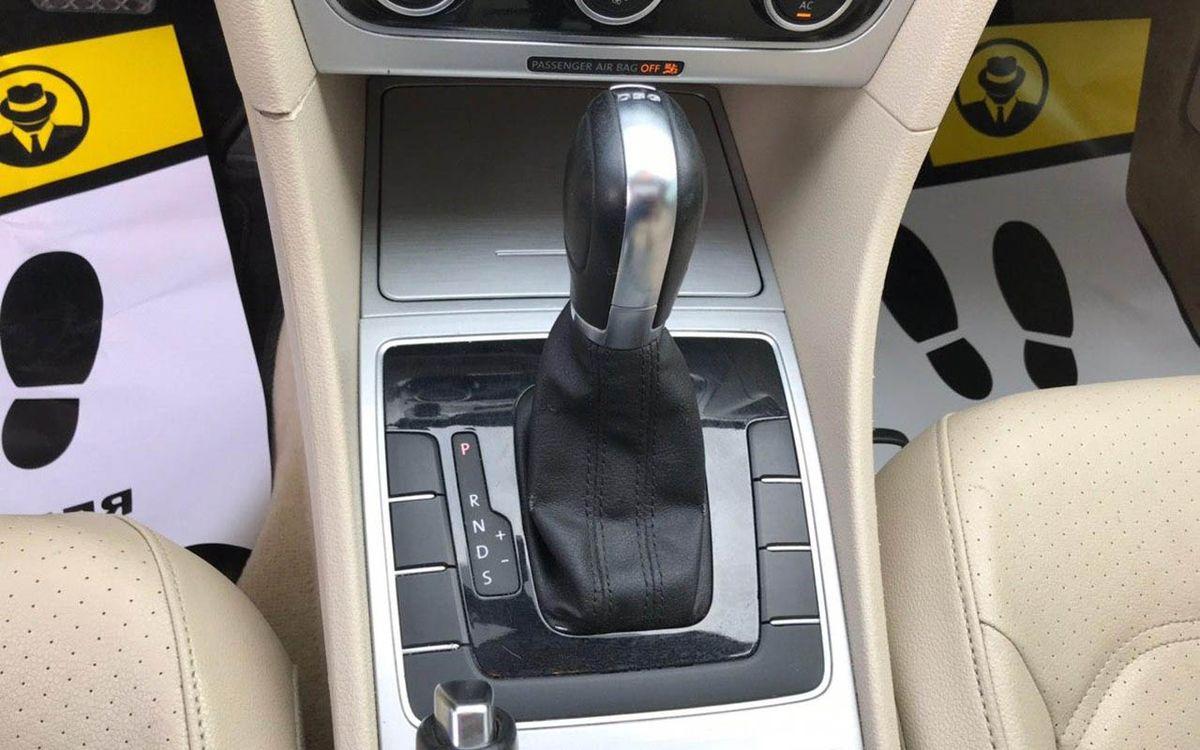 Volkswagen Passat 2012 фото №16