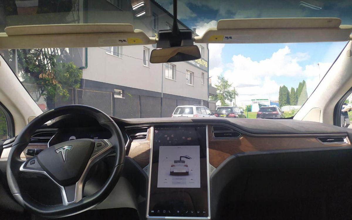Tesla Model X 90D 2016 фото №18