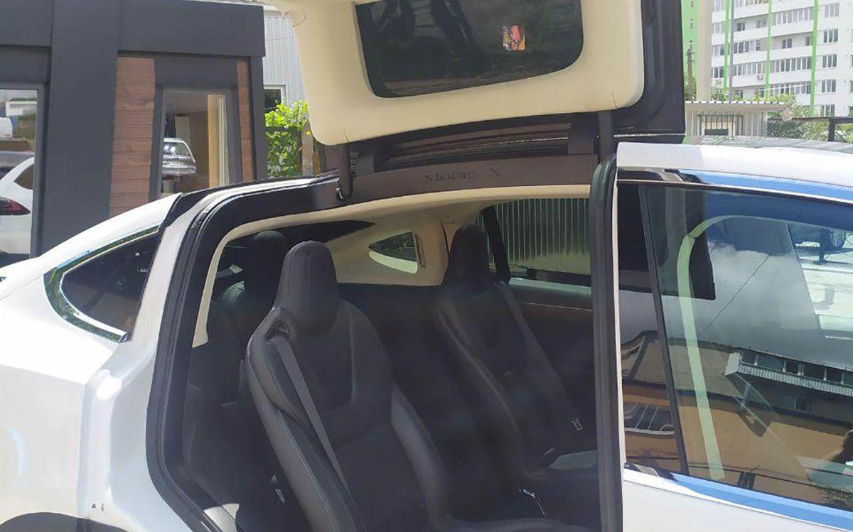 Tesla Model X 90D 2016 фото №20