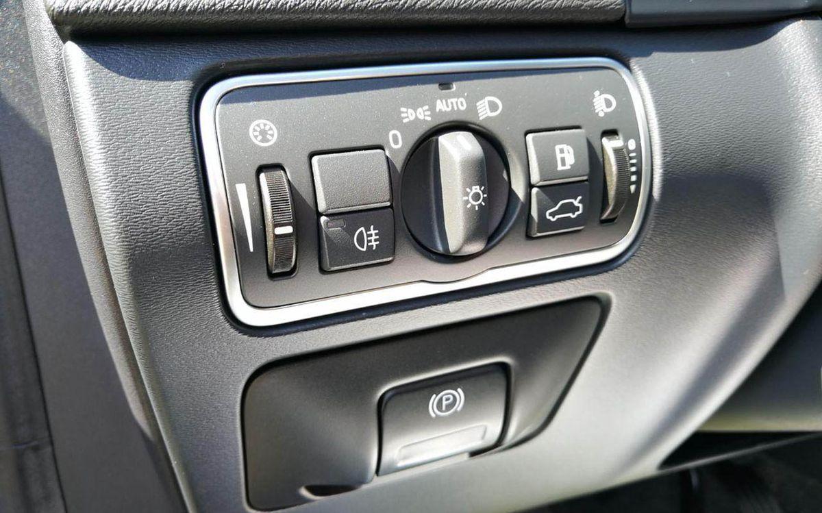 Volvo V60 D2 2016 фото №14