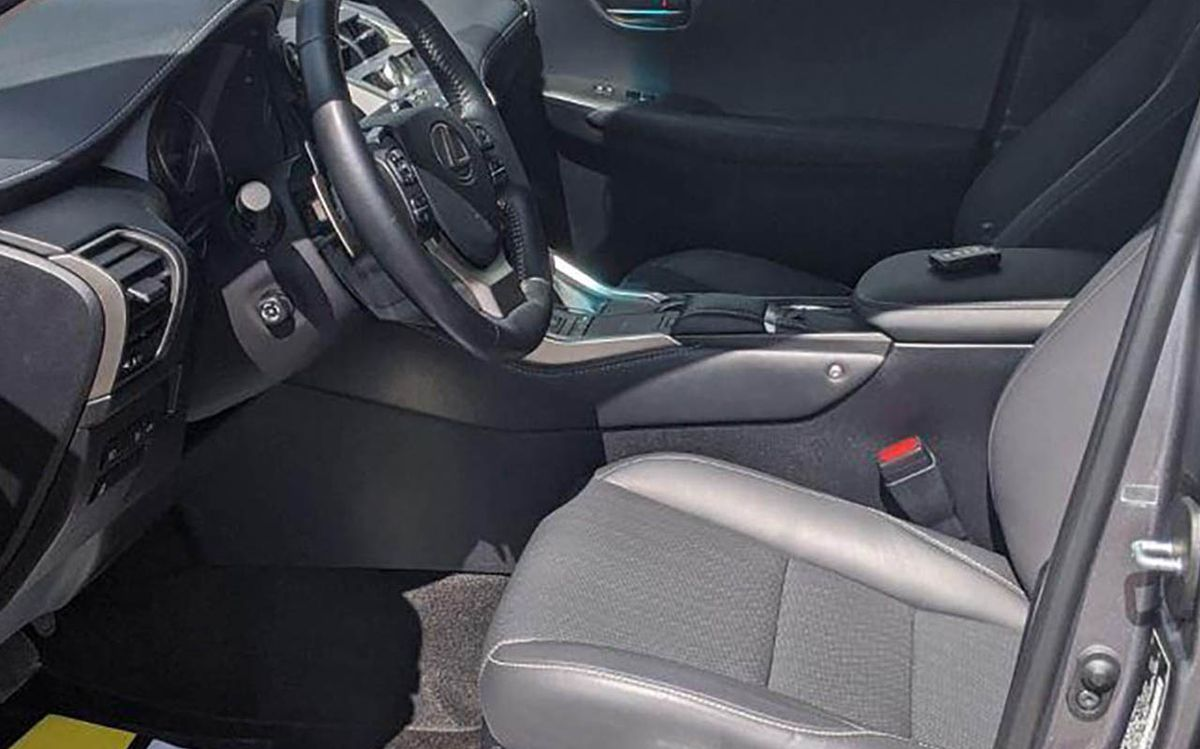 Lexus NX 300h F-sport 2017 фото №17