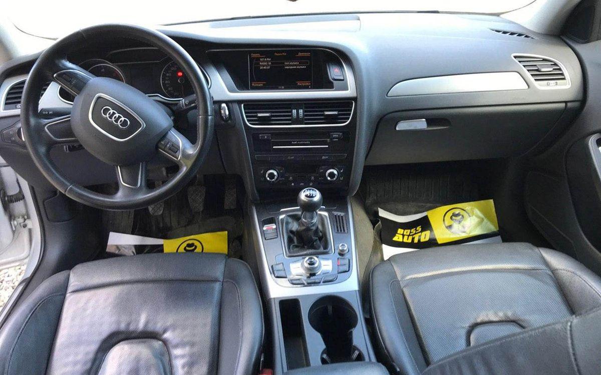 Audi A4 2012 фото №17