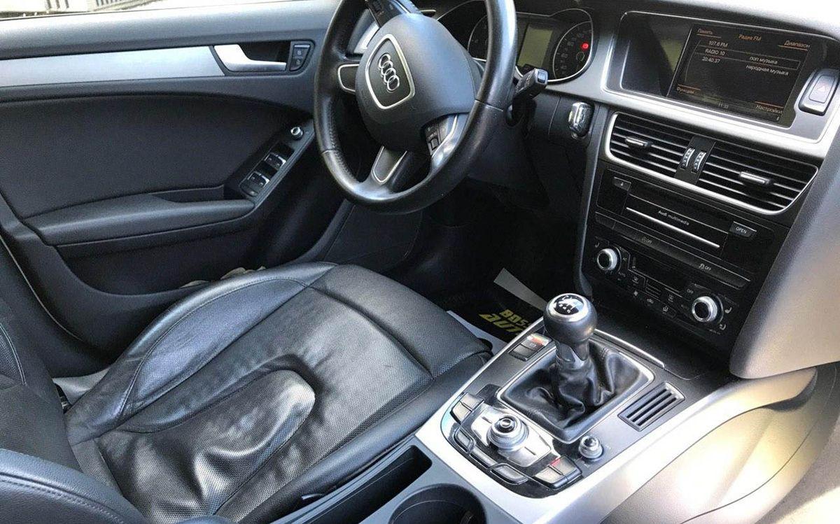 Audi A4 2012 фото №19
