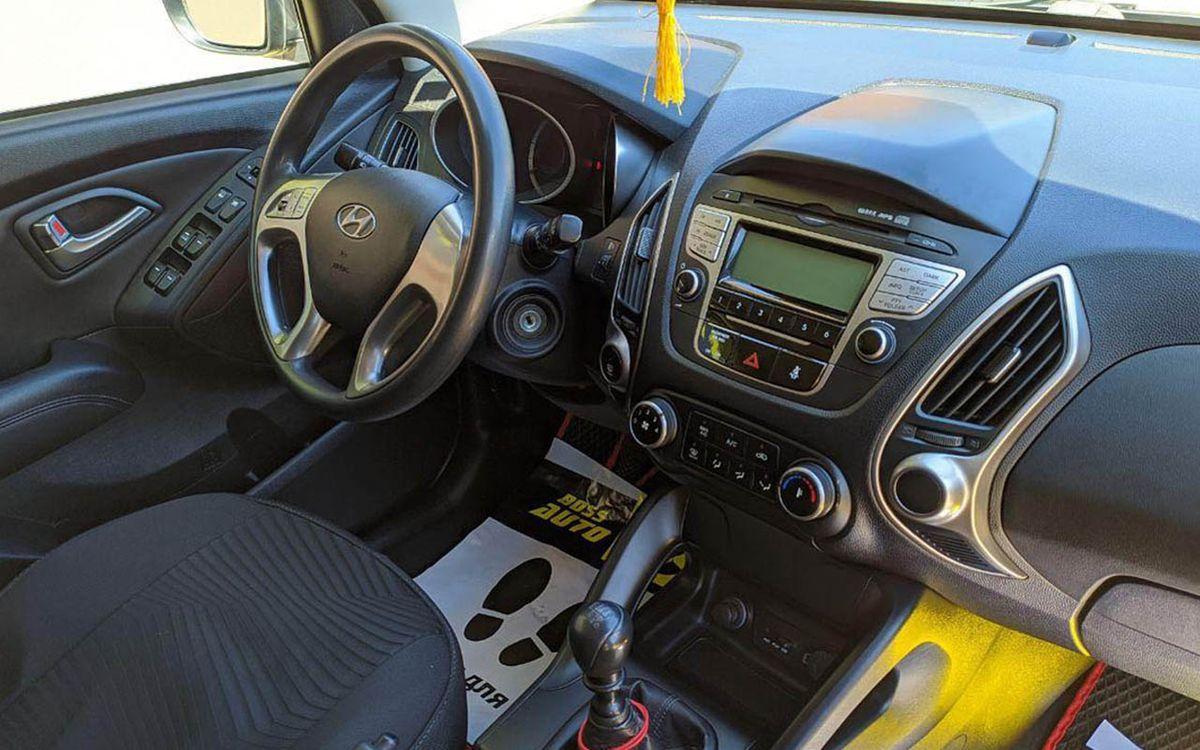 Hyundai IX35 2011 фото №18