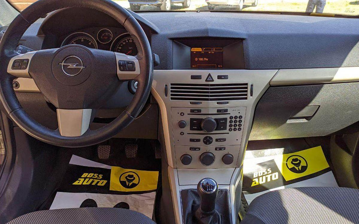 Opel Astra H 2008 фото №16