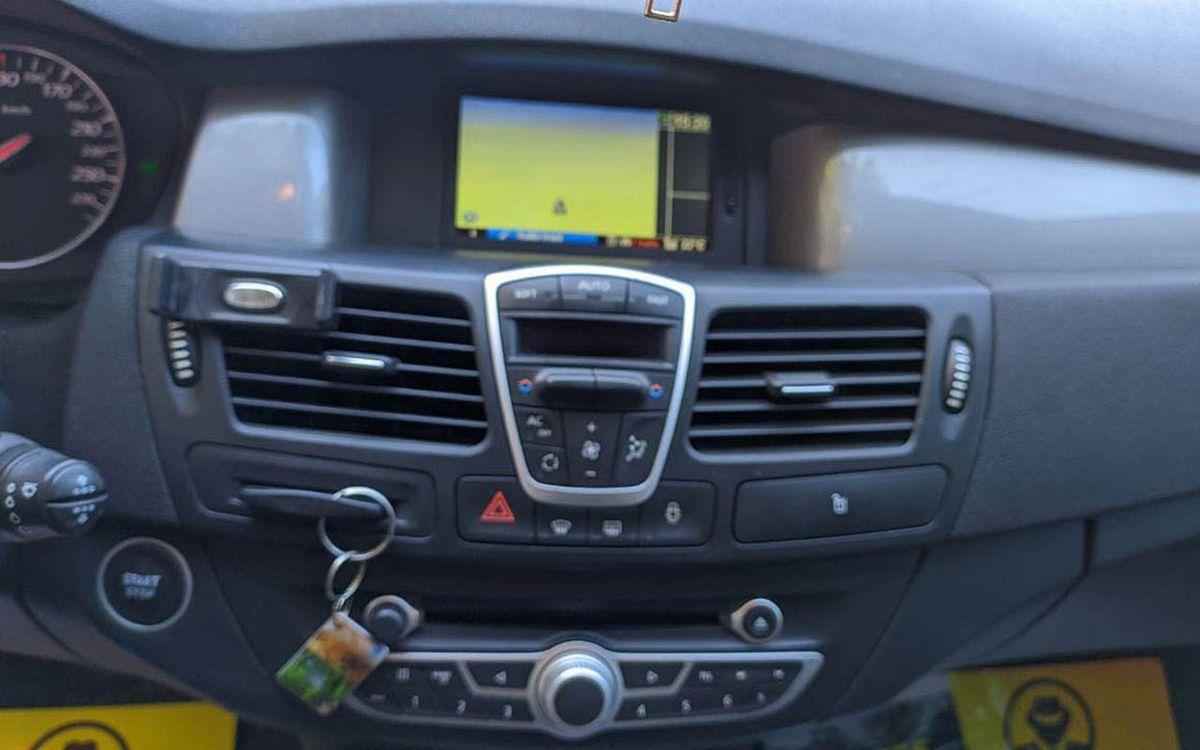 Renault Laguna 2011 фото №16