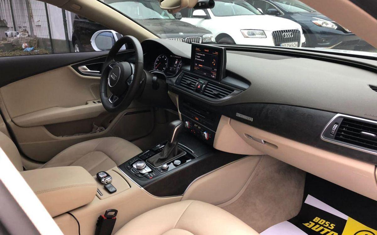 Audi A7 2017 фото №17