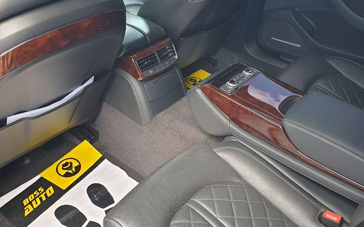 Audi A8 Long 2012 фото №14