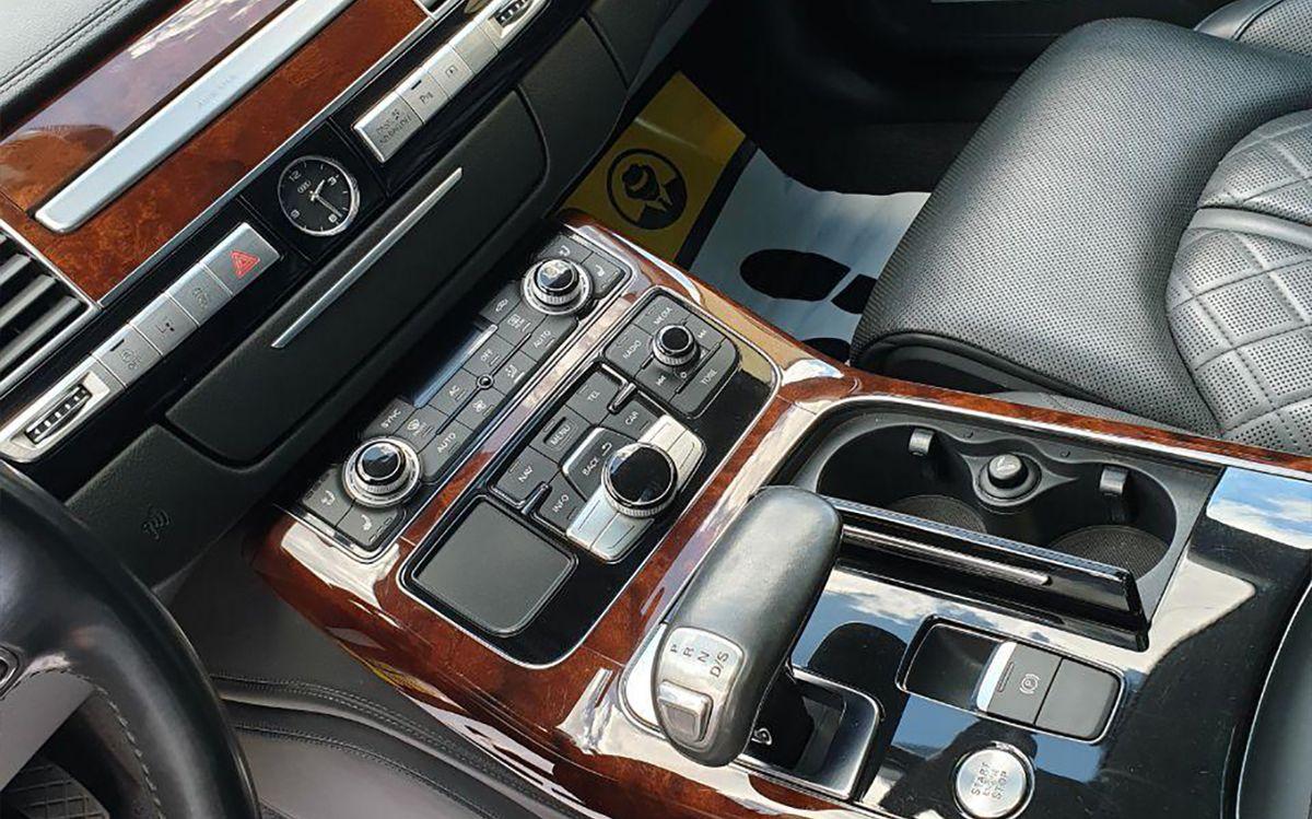 Audi A8 Long 2012 фото №16