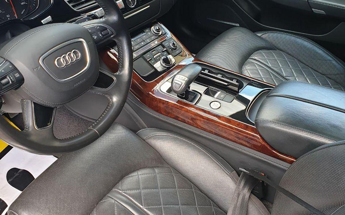 Audi A8 Long 2012 фото №17