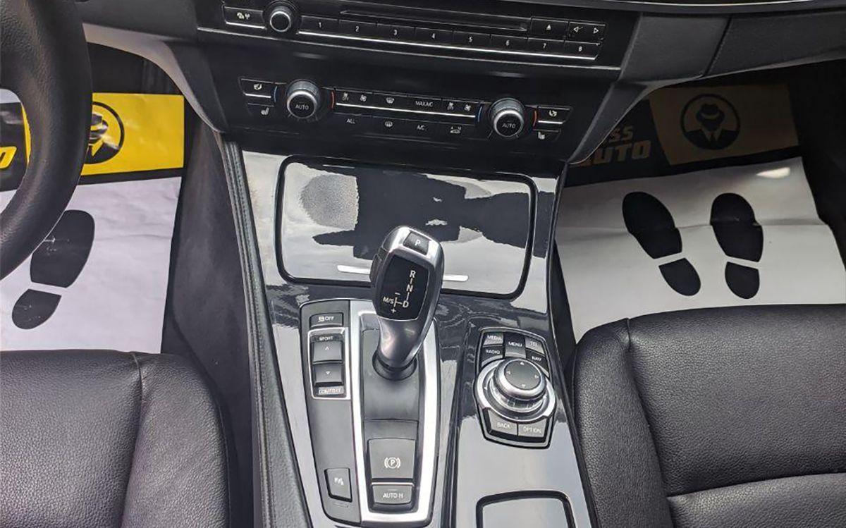 BMW 520 f11 2013 фото №11