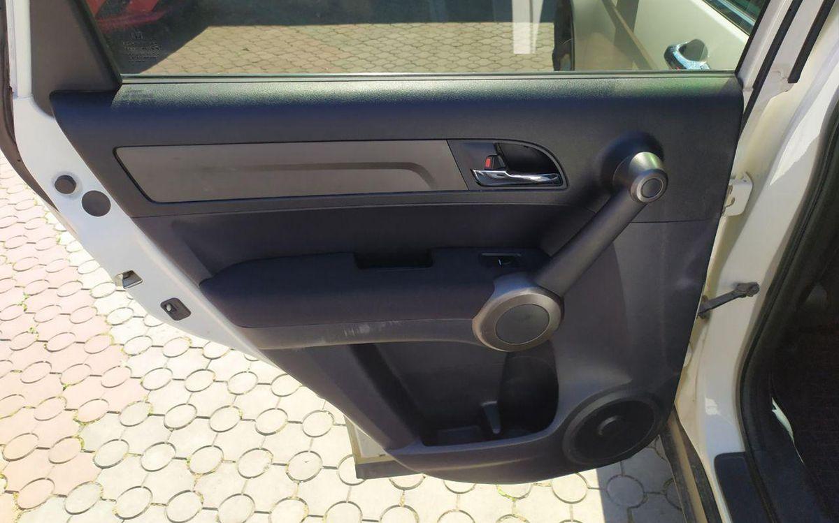 Honda CR-V 2011 фото №16