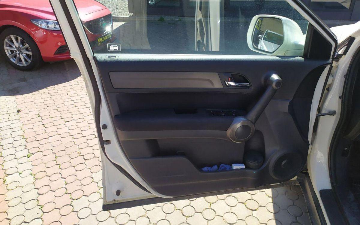 Honda CR-V 2011 фото №18