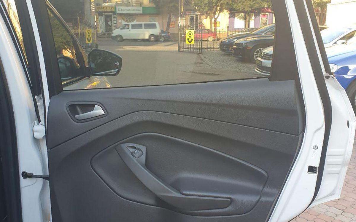 Ford Escape 2016 фото №12