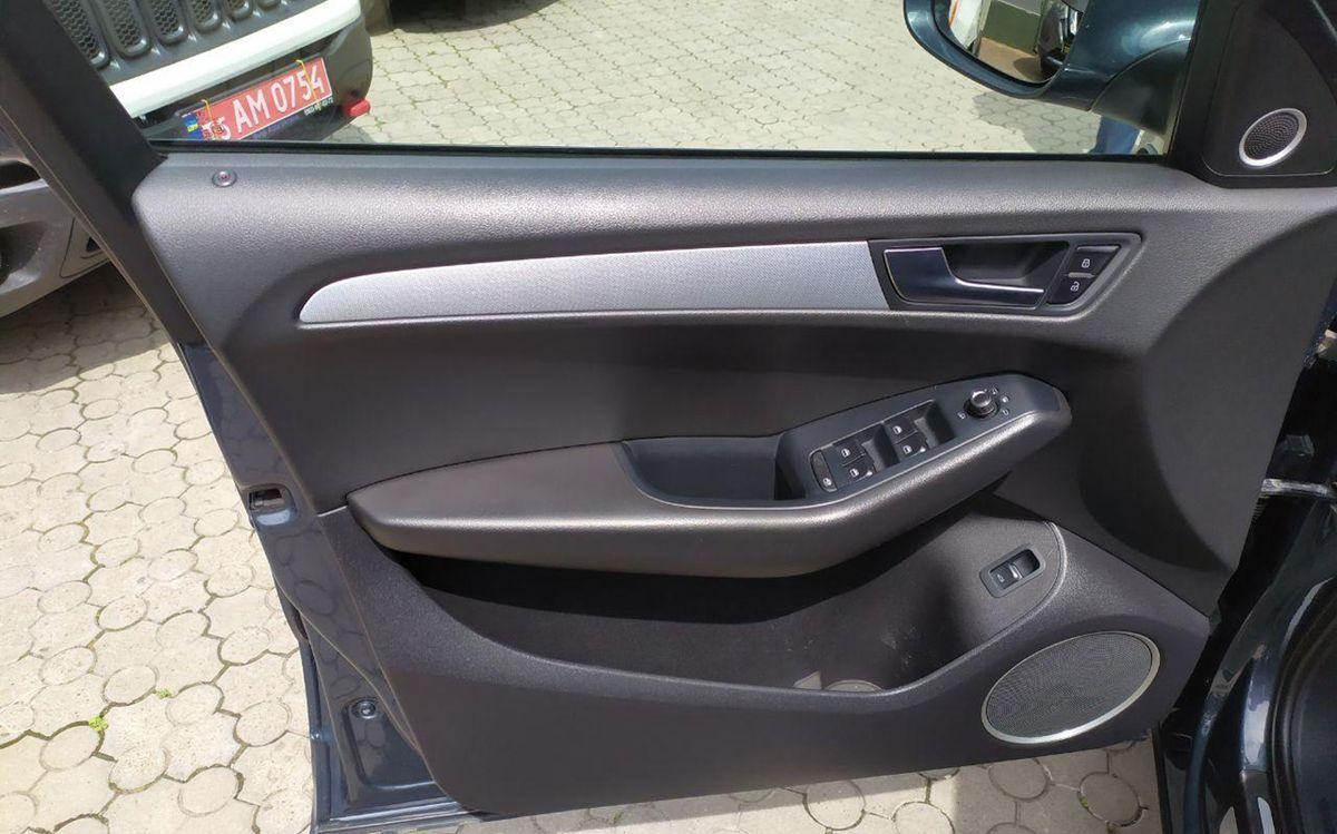 Audi Q5 2010 фото №17