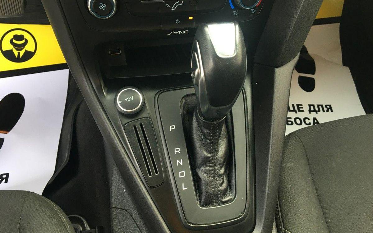Ford Focus SE 2015 фото №18