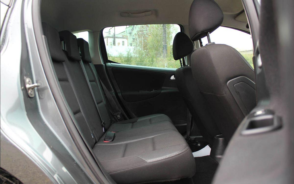 Peugeot 207 2012 фото №18