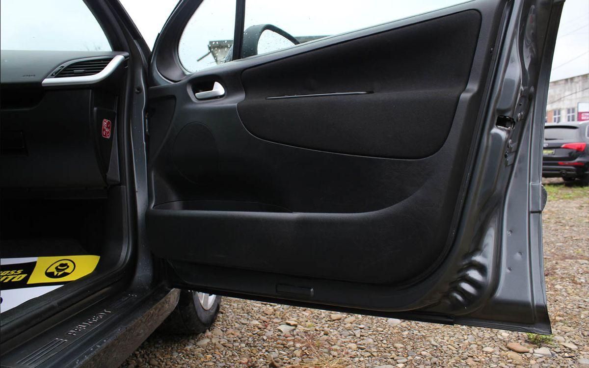 Peugeot 207 2012 фото №19