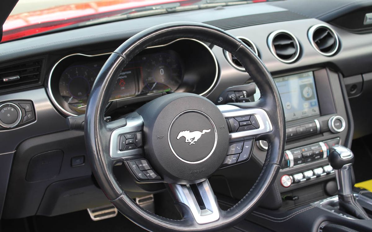 Ford Mustang EcoBoost 2018 фото №14