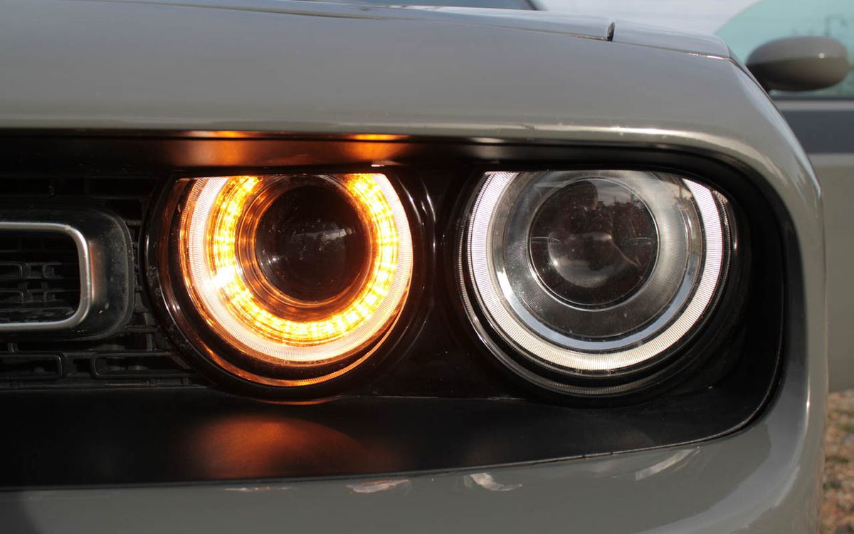 Dodge Challenger 2017 фото №17