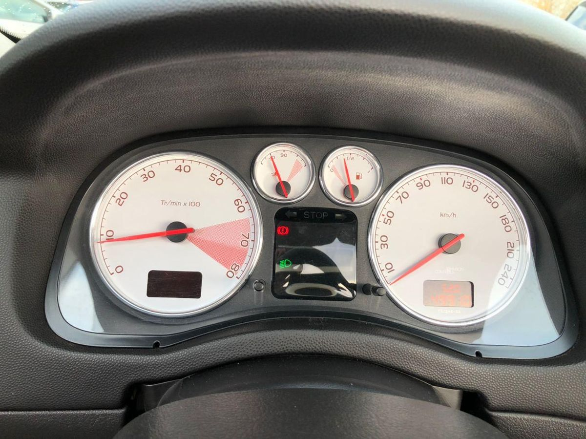 Peugeot 307 СС 2004 фото №13