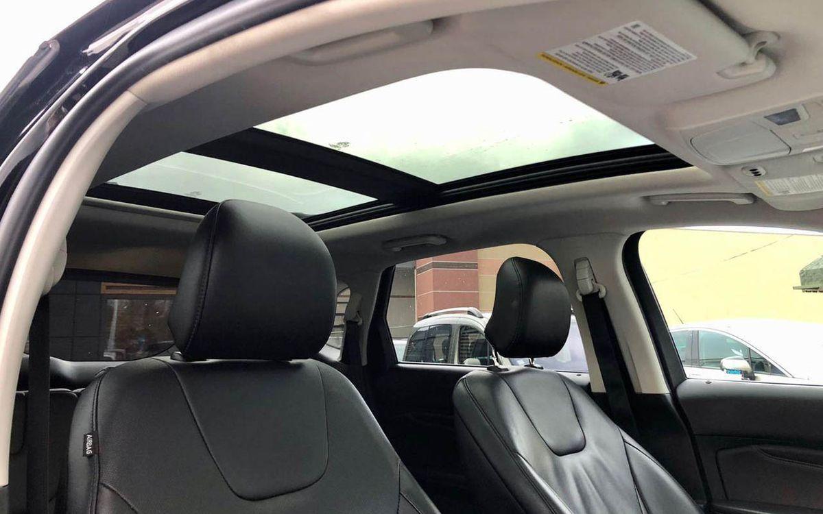 Ford Edge Titanium 2016 фото №15