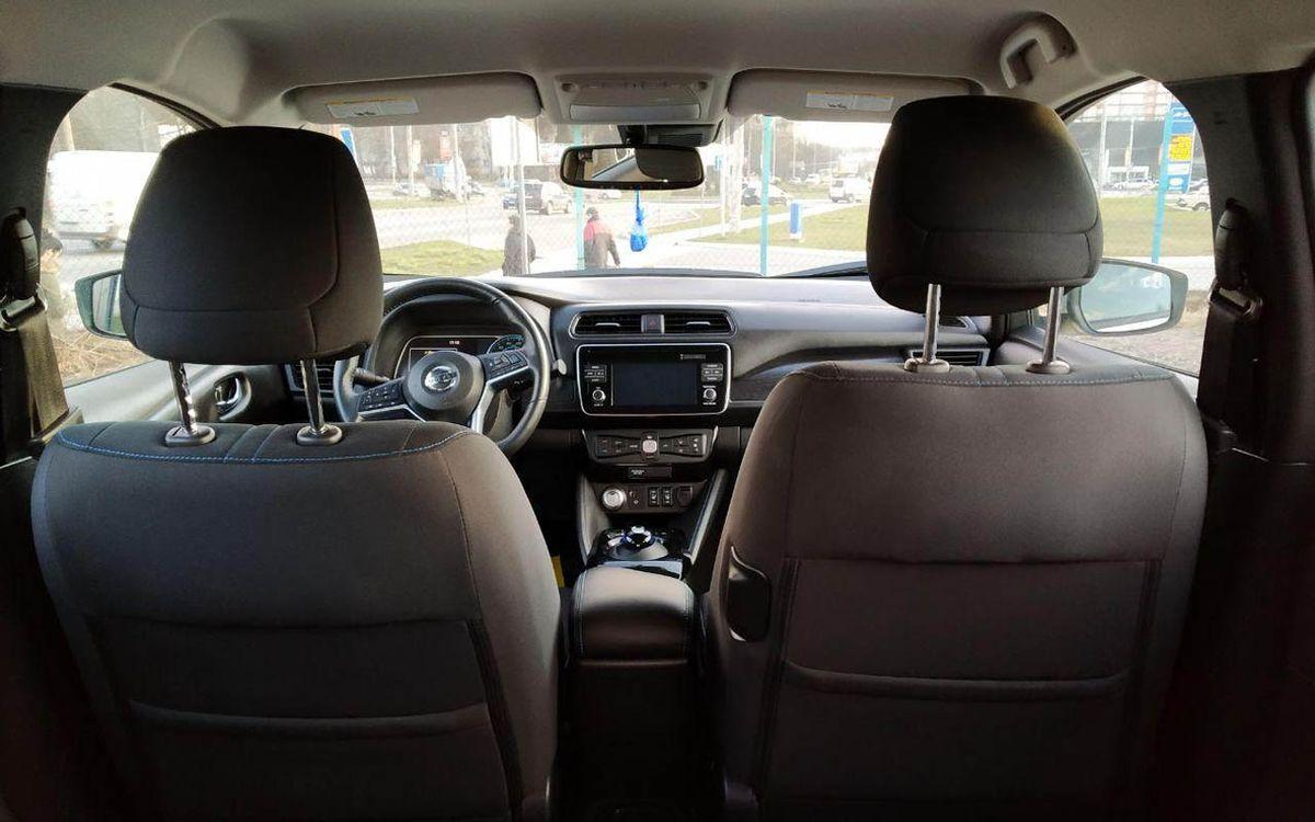 Nissan Leaf SV 2018 фото №19