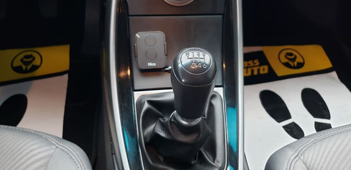 Hyundai Elantra 2013 фото №16