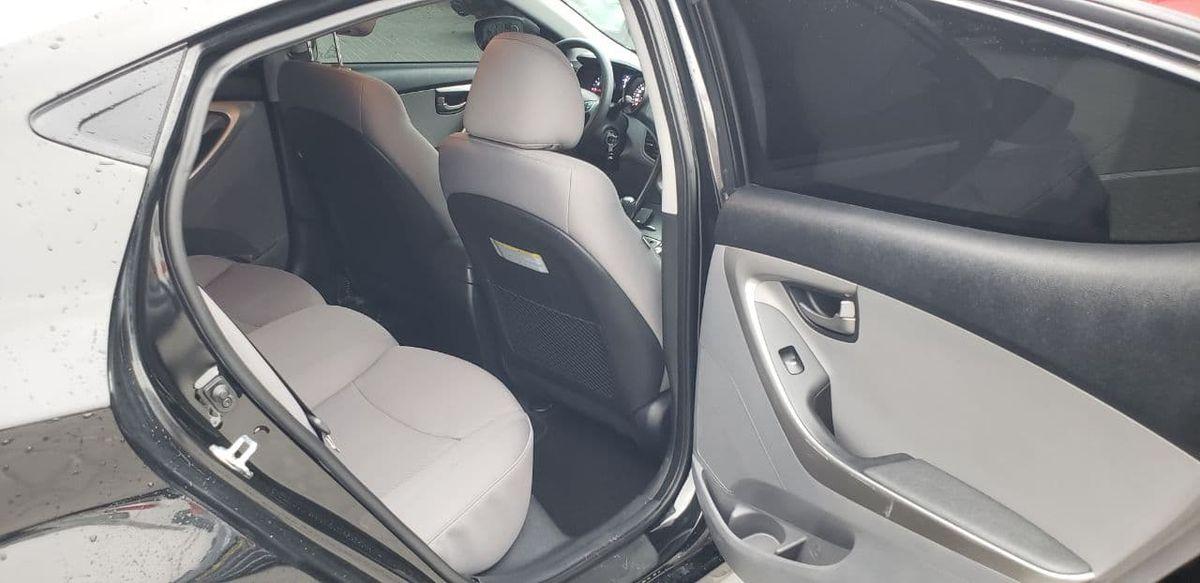 Hyundai Elantra 2013 фото №19