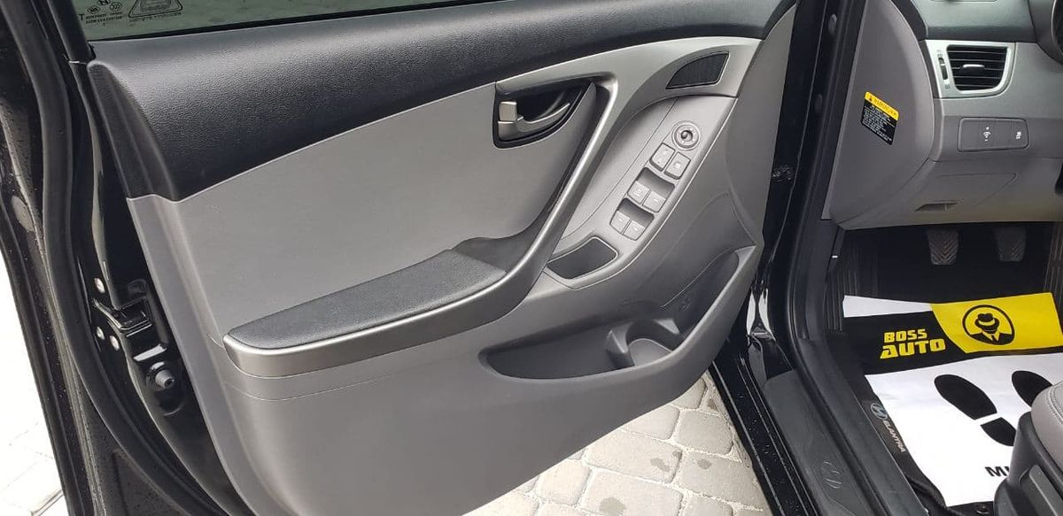 Hyundai Elantra 2013 фото №20