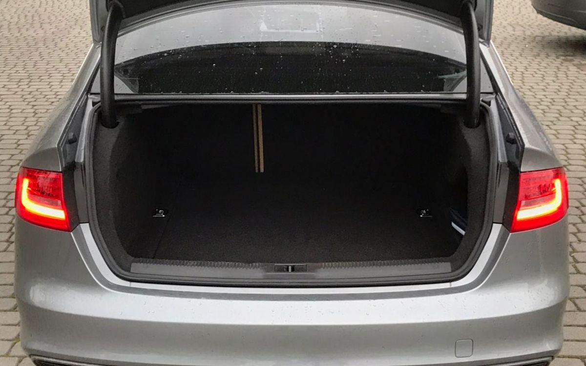 Audi A4 2015 фото №18