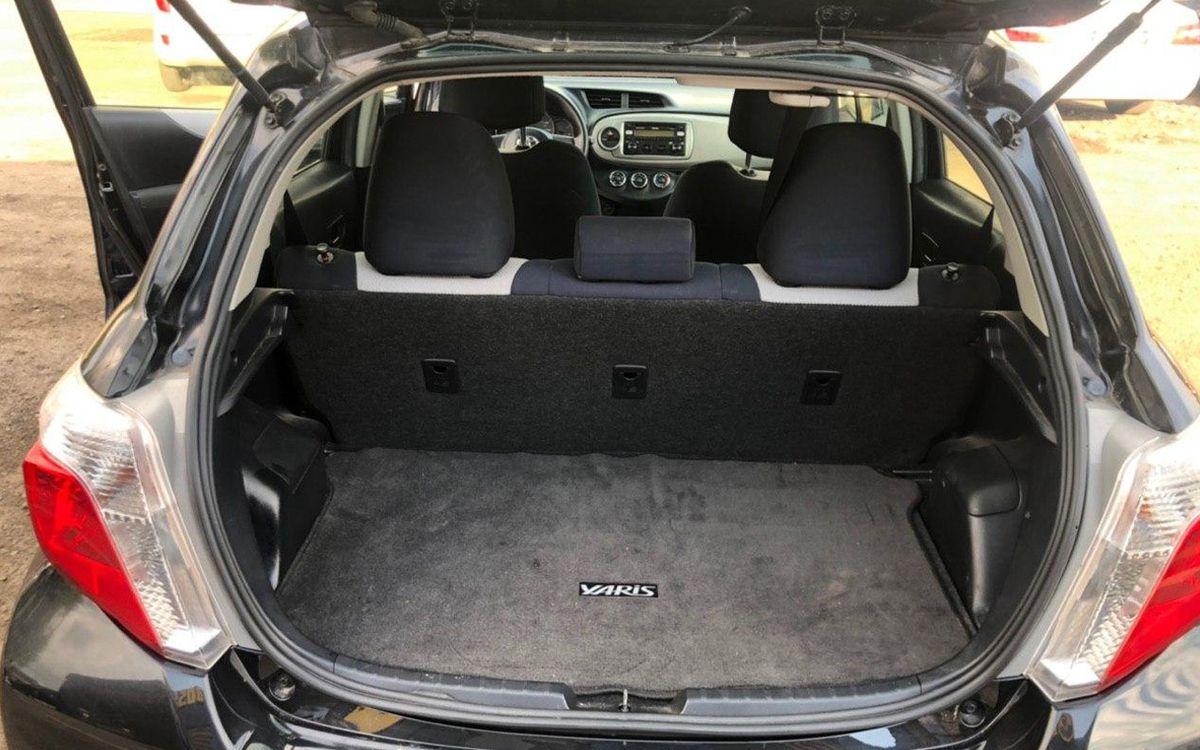 Toyota Yaris 2012 фото №13