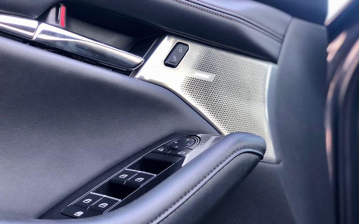 Mazda 3 2019 фото №14