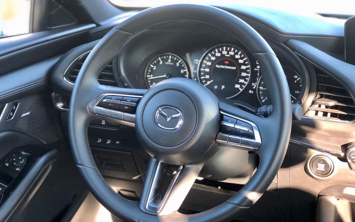 Mazda 3 2019 фото №15
