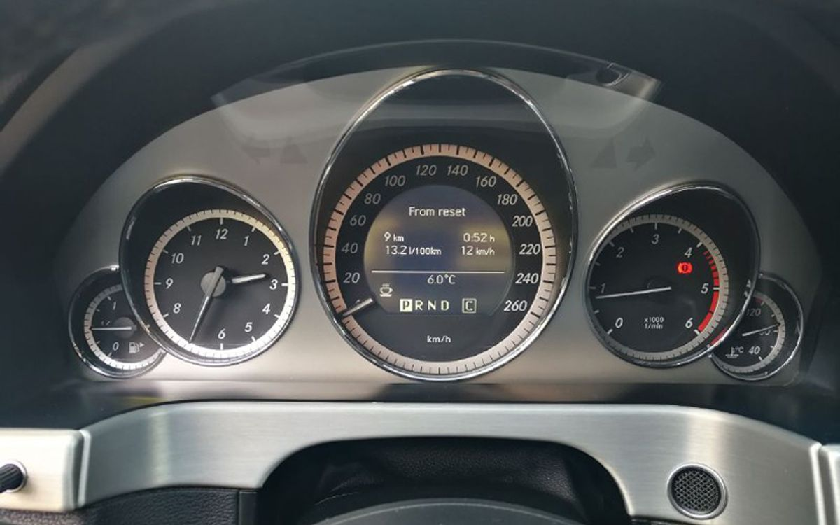 Mercedes-Benz E 220 CDI 2009 фото №18