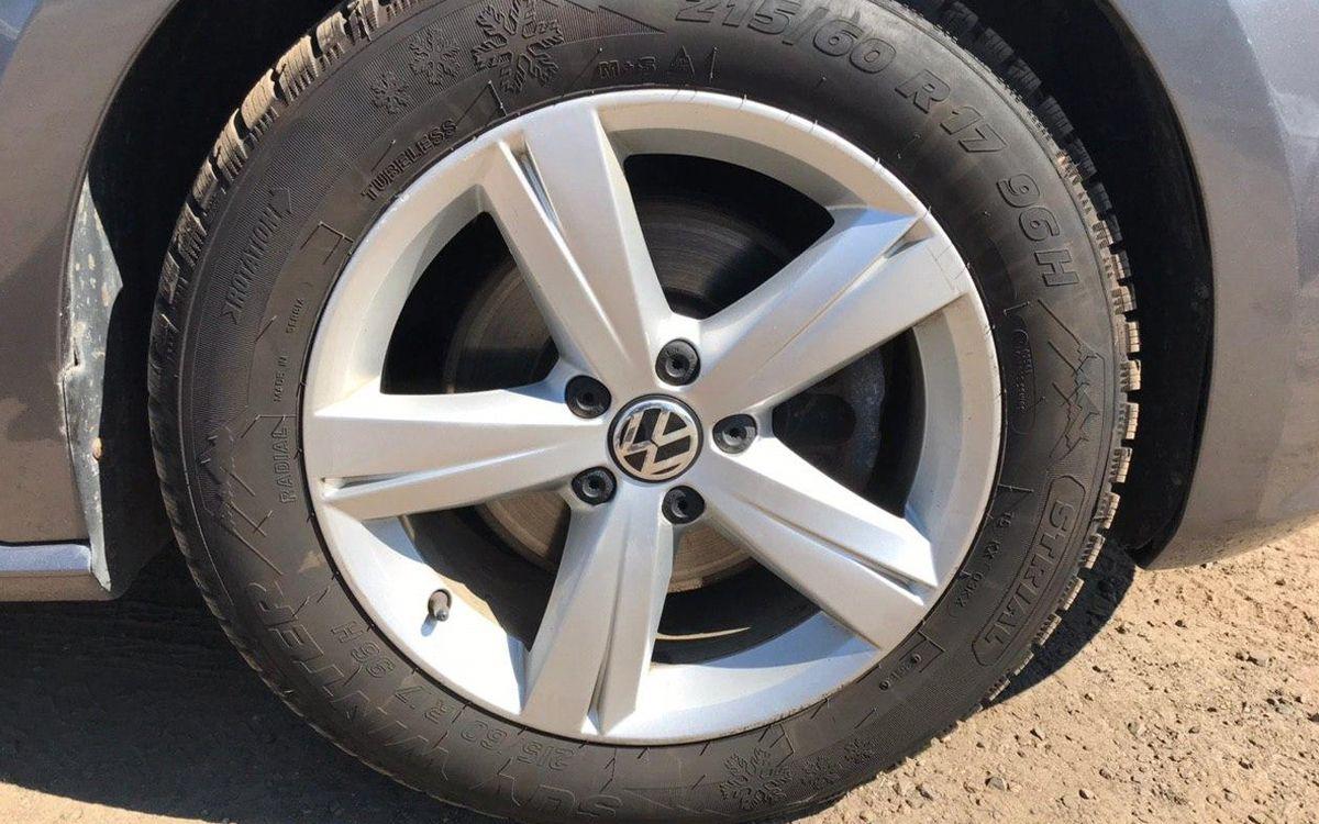 Volkswagen Passat SE 2012 фото №17