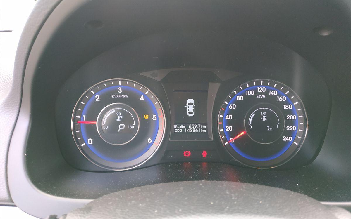Hyundai i30 i40 2014 фото №11