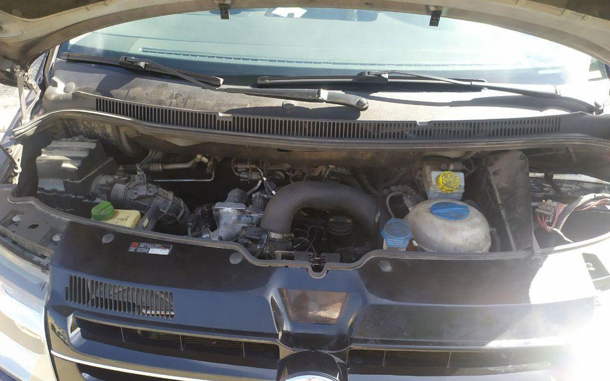 Volkswagen T5 2011 фото №19